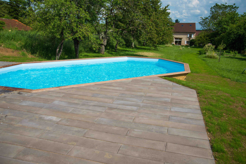 Zwembad aanleggen Zuid-Bourgogne integratie zwembad tuin hovenier