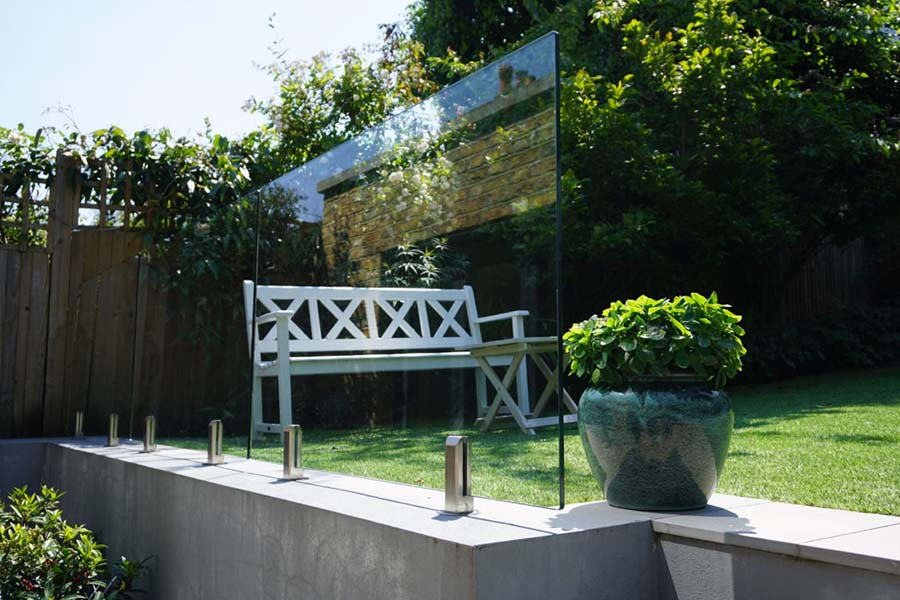 Garden wall view glass rampart